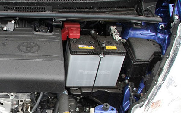 Nên chọn ắc quy khô hay nước cho xe ô tô
